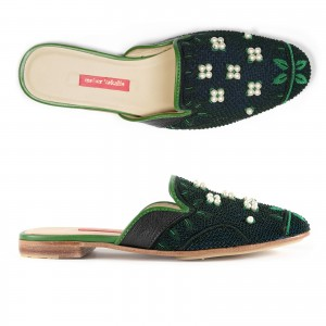 QUEEN DELFI SLIPPER - POLAR BLACK/ DEEPEST GREEN BEAD
